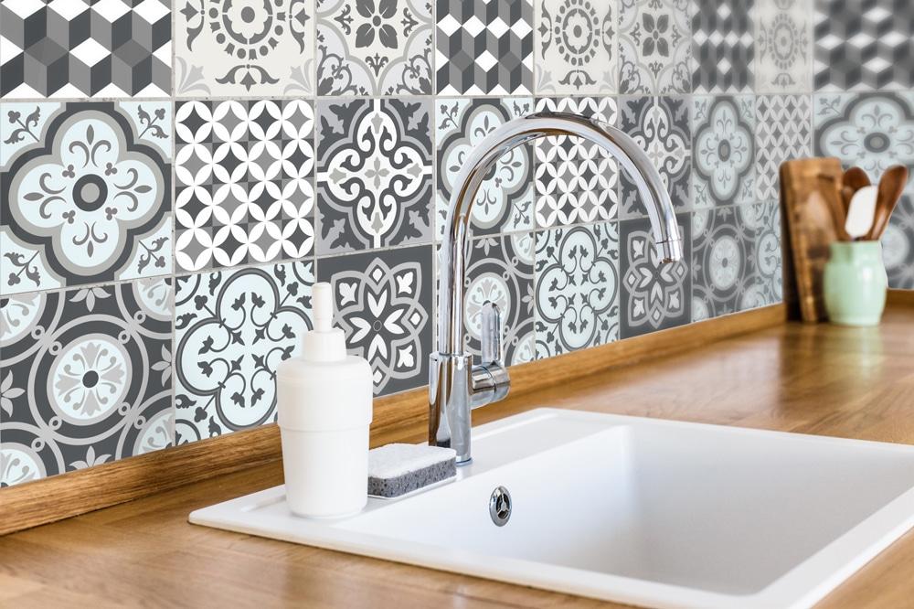 Fliesenaufkleber für Küche und Bad – Marokkanisch Patchwork Grau ...